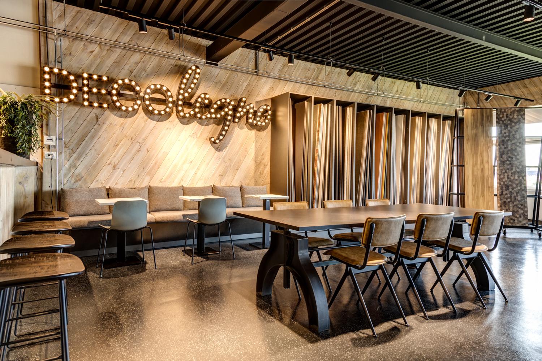 Werkcafé en overzicht showroom DecoLegno Wormerveer