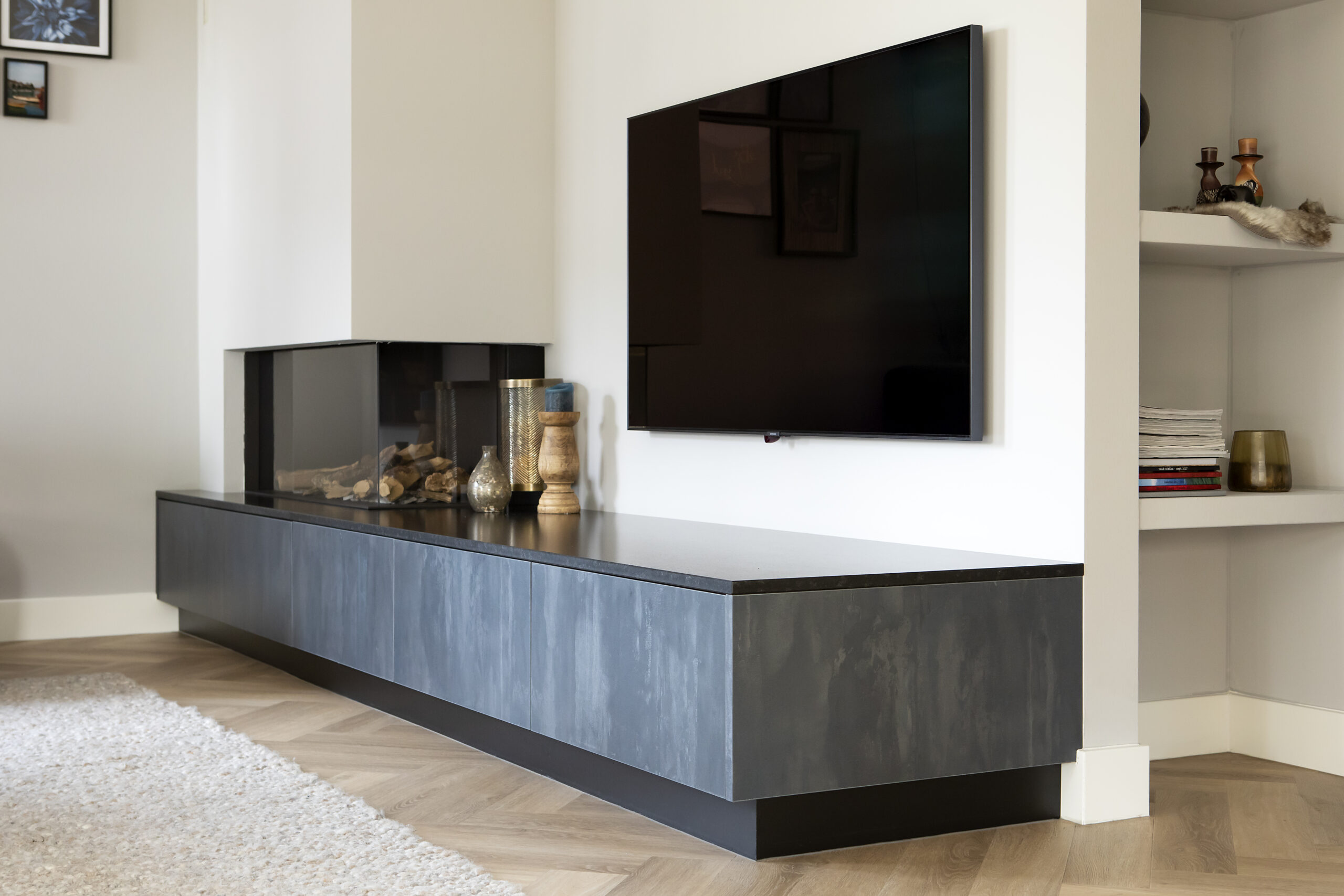 TV meubel metallic decoratief plaatmateriaal
