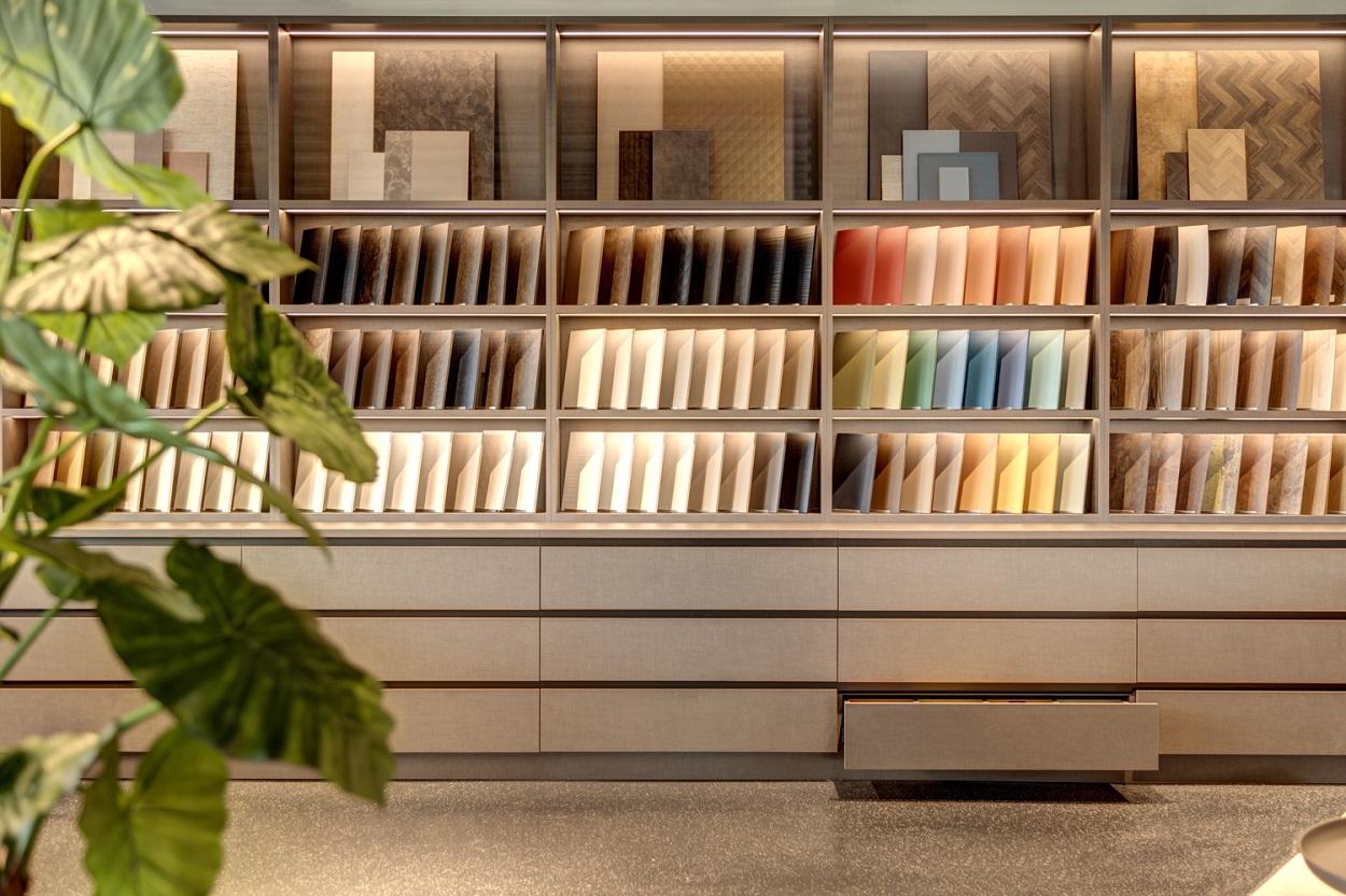 Interieur showroom DecoLegno Wormerveer